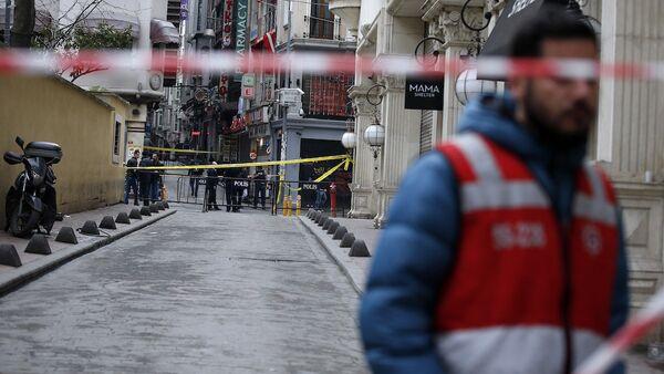 İstiklal Caddesi'ndeki saldırının ardından güvenlik önlemleri artırıldı. - Sputnik Türkiye