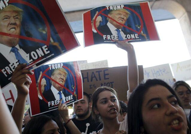Donald Trump protesto