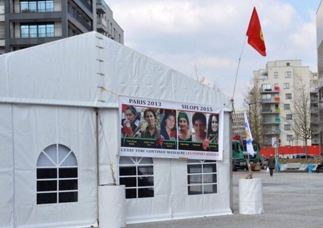 PKK'nın AB Konseyi binasının arkasına kurduğu çadır Ankara-Brüksel hattında krizi neden oldu.