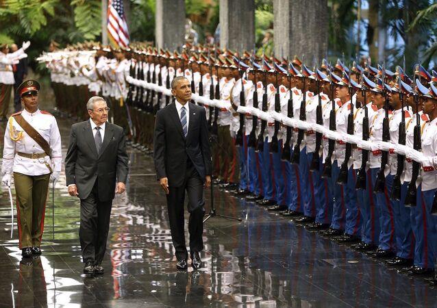 ABD Başkanı Barack Obama ve Küba Devlet Başkanı Raul Castro Havana'da bir araya geldi