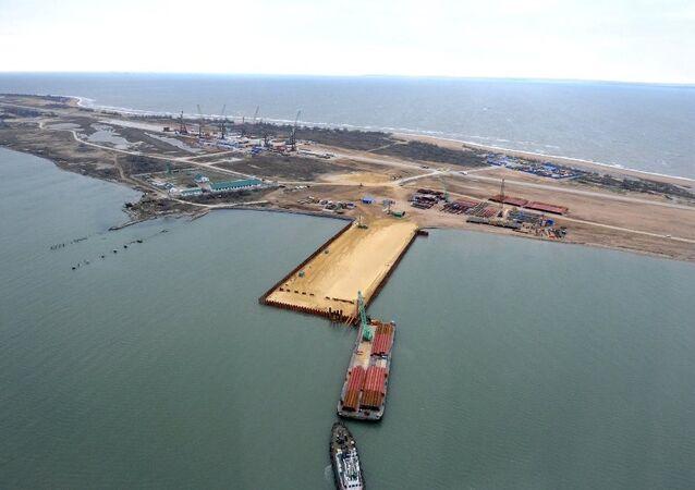 Türk gemisi Kerç köprüsüne çarptı