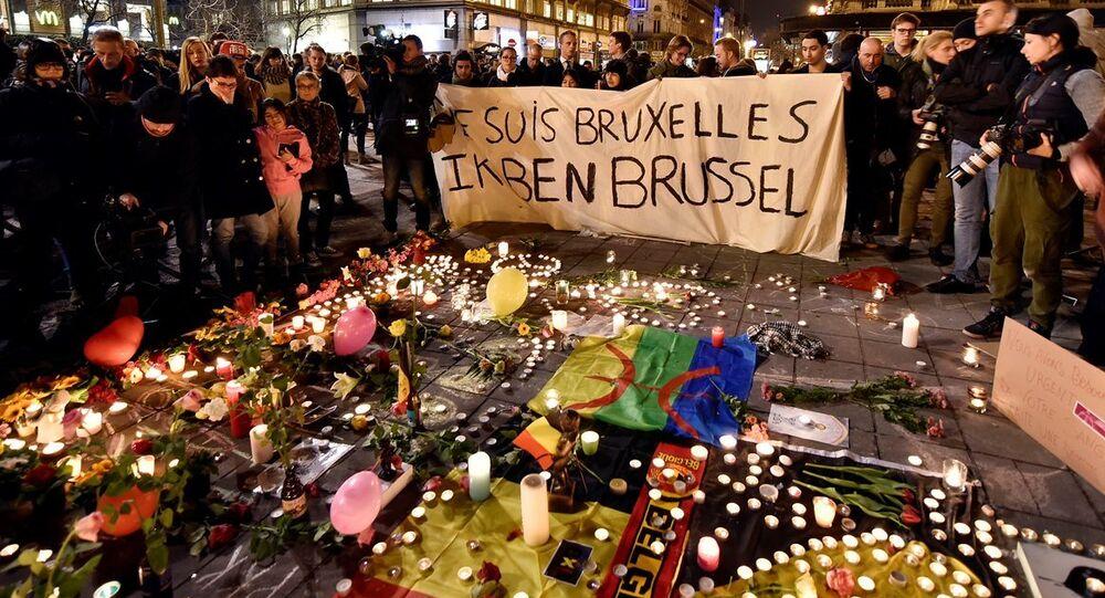 Brüksel'de saldırı kurbanları anılıyor.