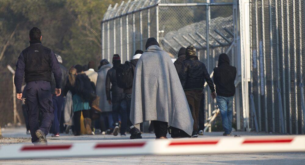 Midilli'de sığınmacılar için hazırlanan sevk merkezleri