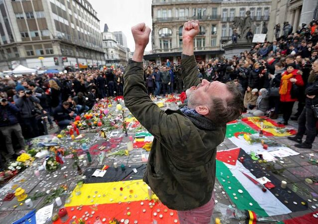 Brüksel'deki terör saldırılarında hayatını kaybedenler için anma törenleri