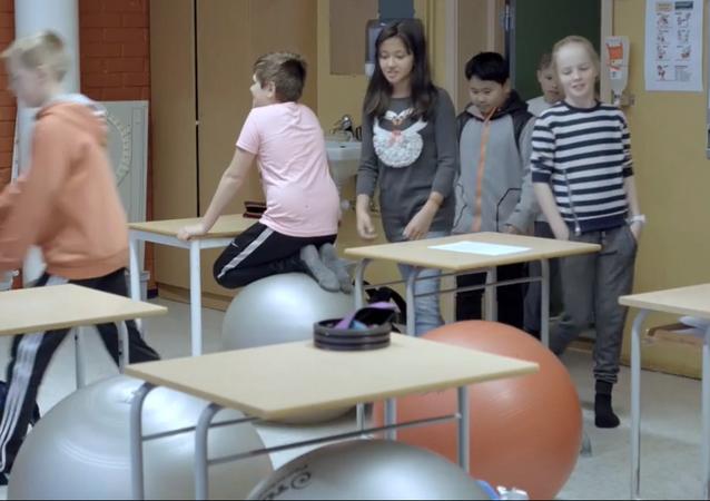 Norveç'te okul sandalyelerinin yreini toplar aldı