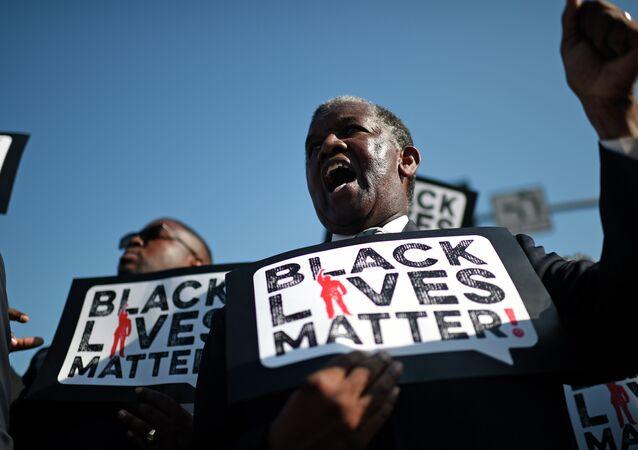Black Lives Matter / Siyahların Hayatı Önemlidir