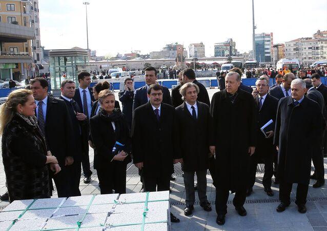 Cumhurbaşkanı Recep Tayyip Erdoğan, Taksim Meydanı'nda