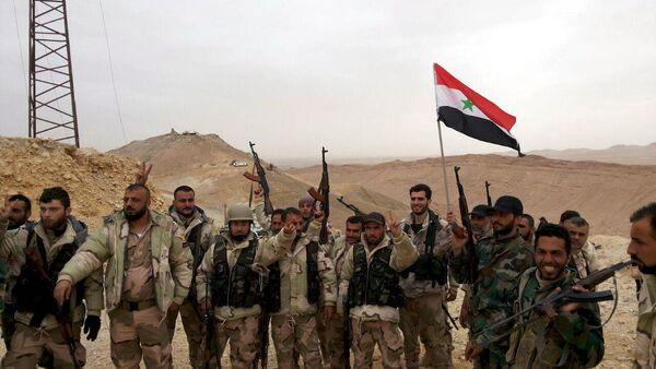 Suriye ordusu Palmira'yı tamamen geri aldı - Sputnik Türkiye