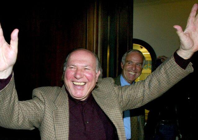 Imre Kertesz, 2002 yılında Nobel Edebiyat Ödülü'nü kazandıktan hemen sonra...