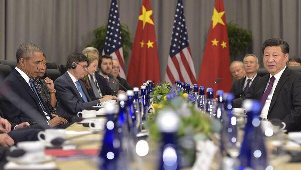 ABD Başkanı Barack Obama ile Çin Devlet Başkanı Şi Cinping, Beyaz SAray'Da bir araya geldi. - Sputnik Türkiye