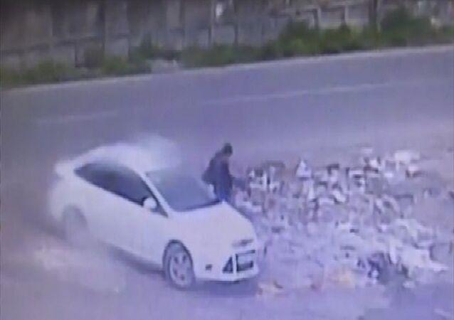 Diyarbakır'da yedi polisin hayatını kaybettiği saldırının failine ait güvenlik kamerası görüntüleri