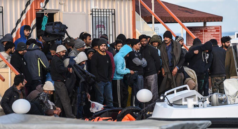 Midilli'den Dikili'ye gönderilen sığınmacılar