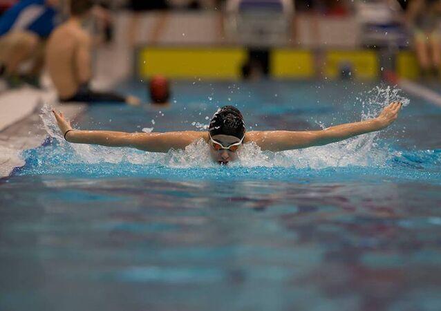 Ege Denizi'ni yüzerek geçen Suriyeli genç yüzücü Yusra Mardini