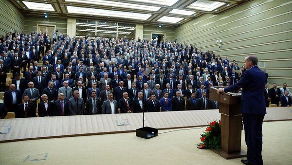 Cumhurbaşkanı Recep Tayyip Erdoğan, Cumhurbaşkanlığı Külliyesi'nde düzenlenen Muhtarlar Toplantısına katılarak konuşma yaptı. - Sputnik Türkiye