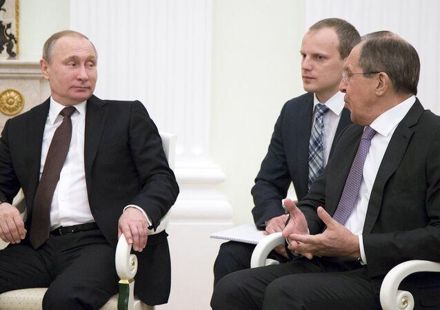 Rusya Devlet Başkanı Vladimir Putin, Dışişleri Bakanı Sergey Lavrov ve Avusturya Cumhurbaşkanı Heinz Fischer