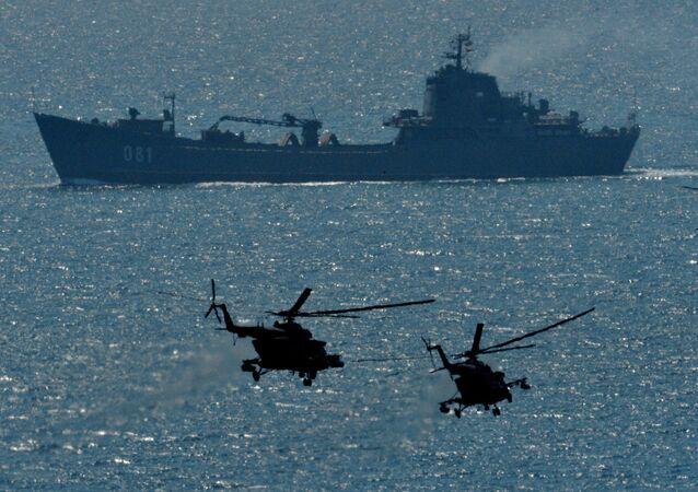 Rusya'nın Pasifik Filosu'nun deniz piyade birliklerinin katılımıyla Primorye bölgesinde askeri tatbikatı