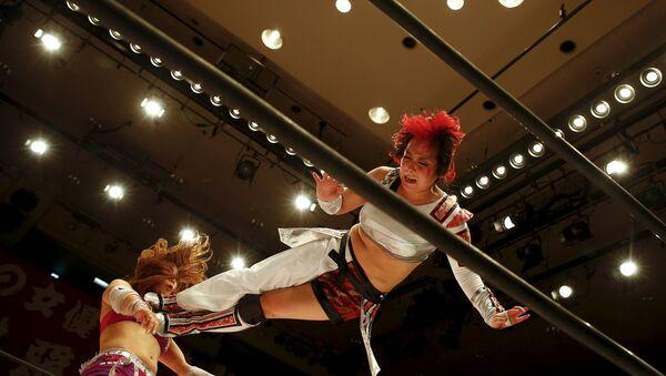 Japon kadın güreşçiler kıyasıya kapıştı - Sputnik Türkiye