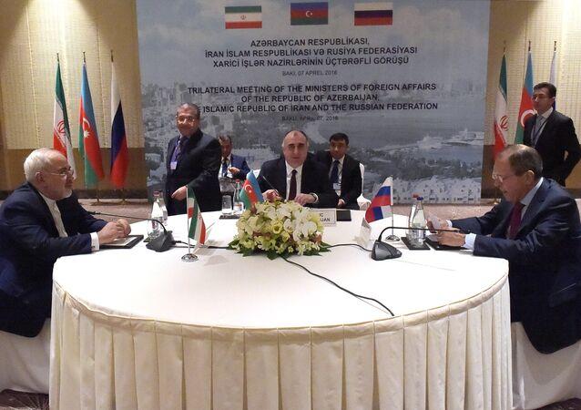 Rusya, Azerbaycan ve İran dışişleri bakanları