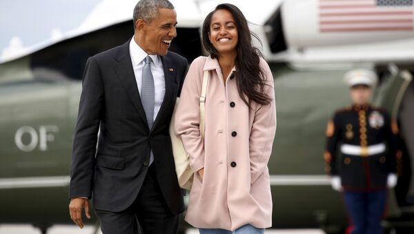 ABD Başkanı Barack Obama ve kızı Malia - Sputnik Türkiye