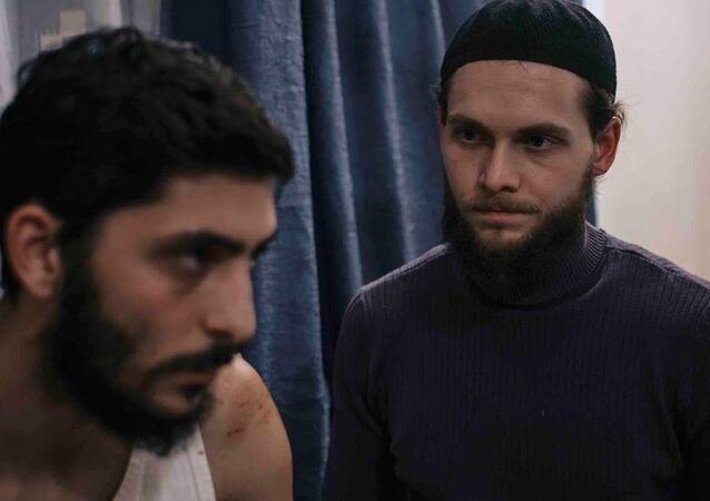Suriye'ye cihada gitmek isteyen bir gencin öyküsünü anlatan Yolculuk filmi