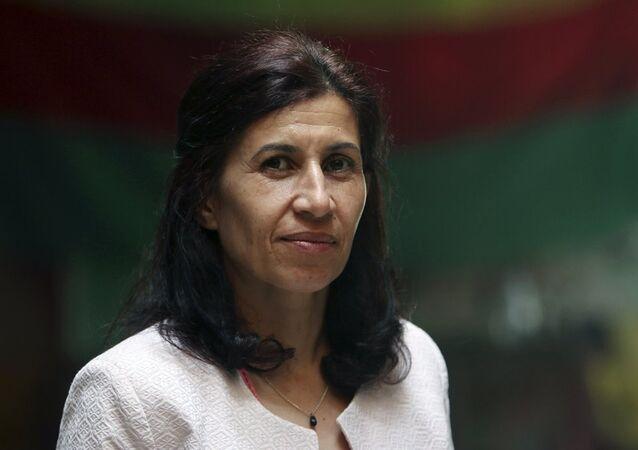 Rojava'da federal yönetim ilan eden 151 kişilik konseyin Eş Başkanı Hadiye Yusuf