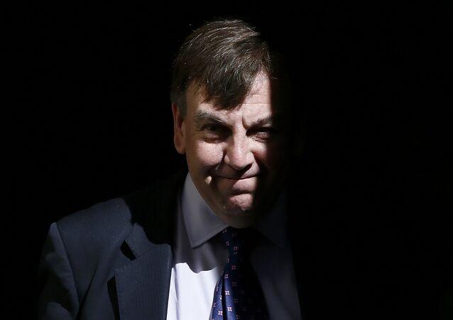 İngiltere Kültür Bakanı John Whittingdale