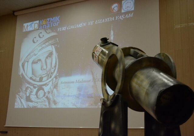 Uzaya giden ilk insan olan kozmonot Yuri Alekseyeviç Gagarin, Batman'da düzenlenen etkinlikte anıldı.