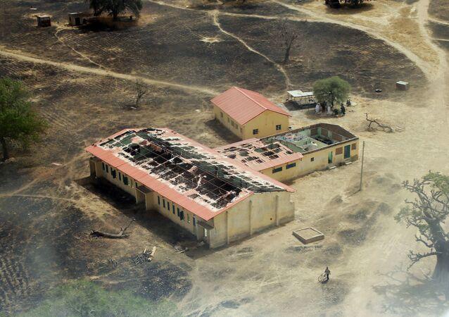 Boko Haram'ın 14 Nisan 2014'te 276 kız öğrenciyi kaçırdığı Çibok kasabasındaki okul