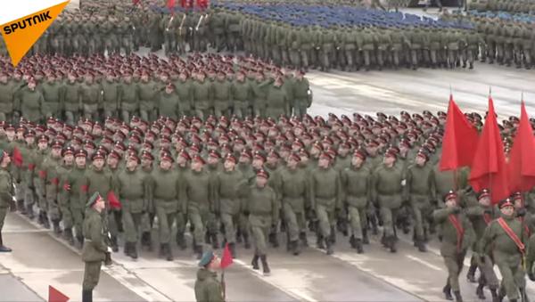 Rusya'dan 9 Mayıs provalarında gövde gösterisi - Sputnik Türkiye