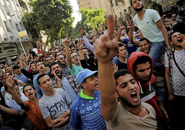 Mısır'da 'toprak namustur' protestosu