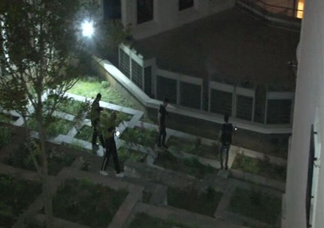 AK Parti İstanbul İl Merkezi binasının arkasına ses bombası atıldı