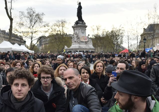 Yannis Varufakis Fransız eylemcilere destek verdi