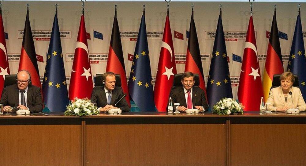 Başbakan Ahmet Davutoğlu, AB Konseyi Başkanı Donald Tusk, Almanya Başbakanı Angela Merkel ve AB Komisyonu Birinci Başkan Yardımcısı Frans Timmermans