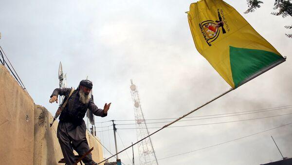 Peşmerhe güçleri, Tuzhurmatu'daki Şii milislere ait bayrağı indirdi - Sputnik Türkiye