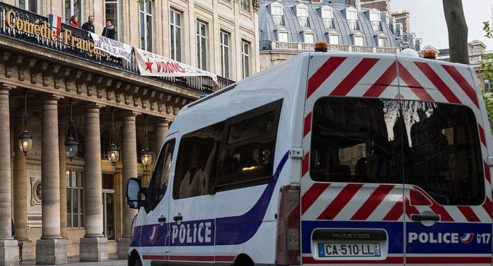 Fransa'da eylemciler tiyatroları işgal etti