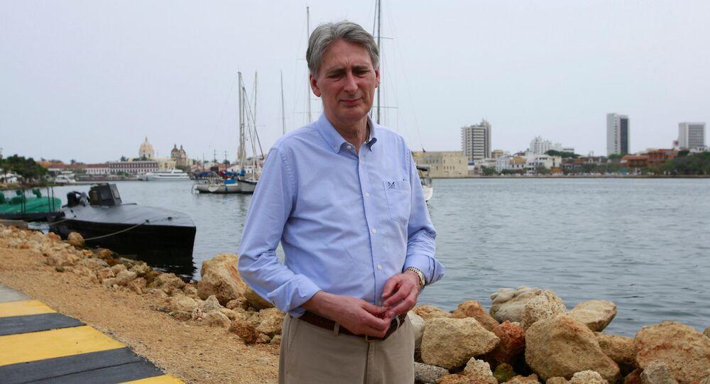 İngiltere Dışişleri Bakanı Philip Hammond Kolombiya'da.