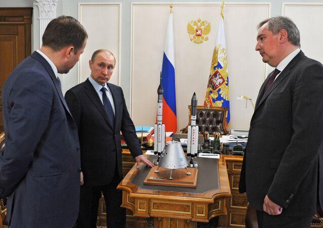 Vladimir Putin - Dmitriy Rogozin - İgor Komarov