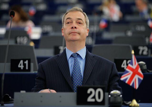 İngiltere'deki Birleşik Krallık Bağımsızlık Partisi (UKIP) lideri Nigel Farage