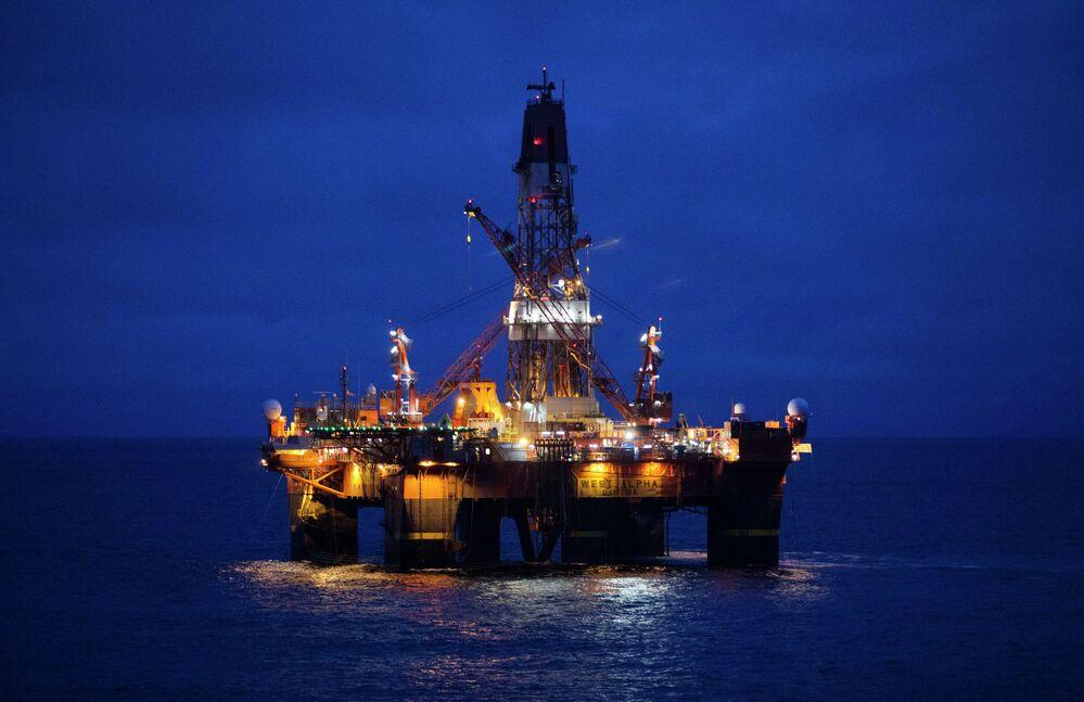 Uluslararası Enerji Ajansı'nın (IEA) açıklamasına göre, Rusya 2015 yılında dünyanın en çok petrol üreten ülkesi oldu. Rusya geçen yıl her gün toplam 10 milyon 590 bin varil petrol üretti ve dünyanın petrol ihtiyacının yüzde 14.5'ini karşıladı.