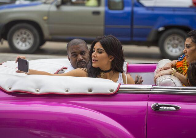 Kim Kardashian- Kanye West