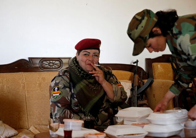 IŞİD'e karşı savaşan Ezidi kadınlar / Haseba Nauzad
