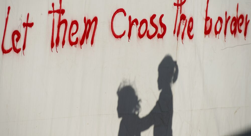 Yunanistan'ın Makedonya sınırındaki İdomeni kasabasında yaşayan sığınmacı çocuklar