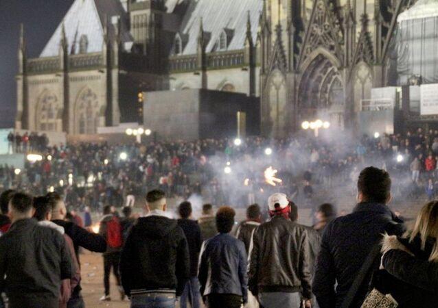 Köln'deki 'yılbaşı tacizinin' yeni görüntüleri yayınlandı