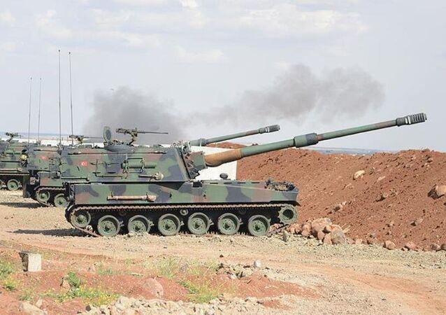 Türk Silahlı Kuvvetleri (TSK) unsurları, Kilis'in karşısındaki terör örgütü IŞİD mevzilerini vurdu.