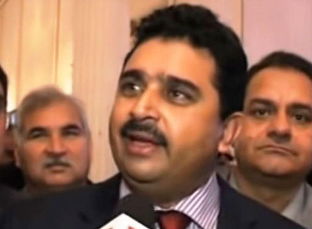 Yüzde 96.4'ü Müslüman olan Pakistan'ın Denizcilik Bakanı bir Hristiyan olan Kamran Michael.