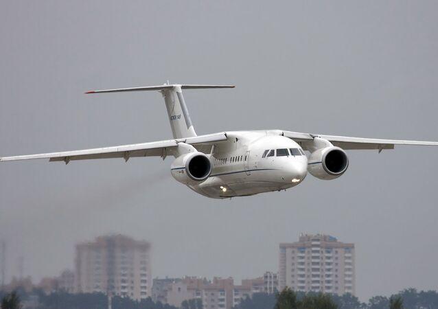 Antonov şirketinin ürettiği An-158 tipi yolcu uçağı