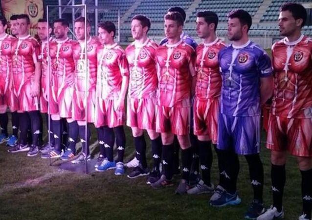 İspanyol futbol takımı CD Palencia'nın 'kas desenli' forması