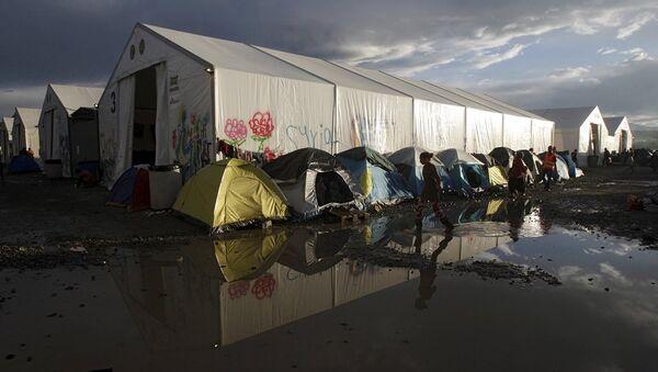 Yunanistan'ın Makedonya sınırında yer alan İdomeni kasabasındaki göçmen kampı  - Sputnik Türkiye