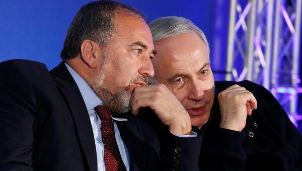 Benyamin Netanyahu - Avigdor Lieberman - Sputnik Türkiye