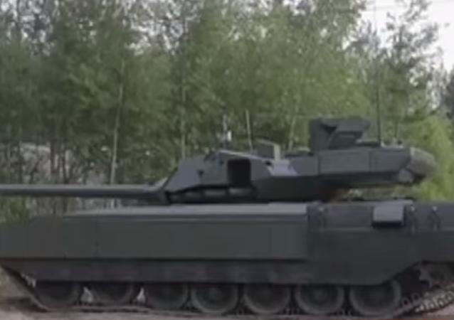 Seri üretimine başlanılan Armata T-14 tanklarının ilk partisi testlere başladı. Gelecek yıl Rus Silahlı Kuvvetleri'ne testleri başarıyla tamamlayan 100 tank tahsis edilecek.